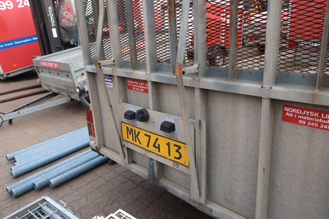 Trailer IFOR WILLIAMS GP 126 GM