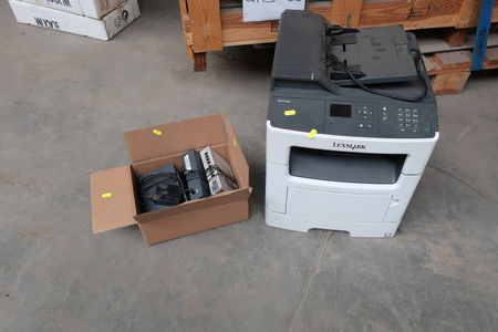 Printer LEXMARK 7015-270 samt 3 stk. switches HP &T PROCURVE