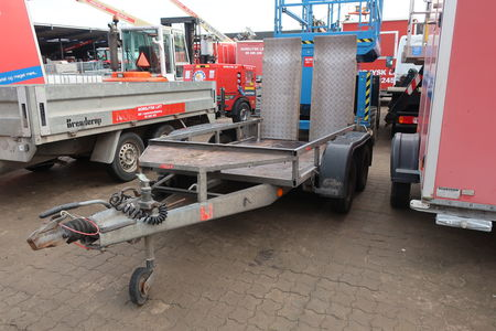 Trailer IFOR WILLIAMS GP 74 GTA