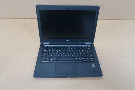 "Dell Latitude E7250 i5-5300U(5th Gen) 12"" MOMSFRI"
